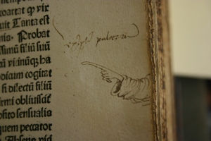 One of the many manicula of Archbishop William Scheves.