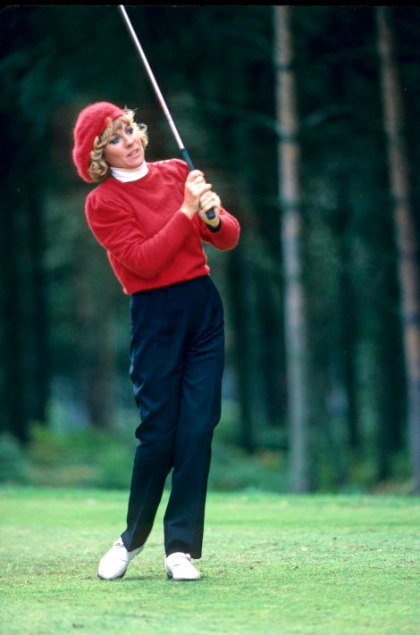 Jan Stephenson plays from the fairway at the 1984 Women's British Open Championship at Woburn