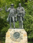 Statue of Alan Breck Stewart and David Balfour at Corstorphine, Edinburgh (photo by Kim Traynor)