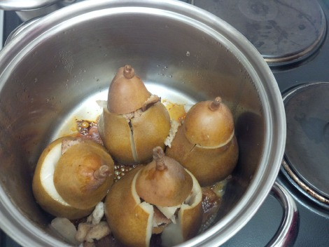 Pears poaching