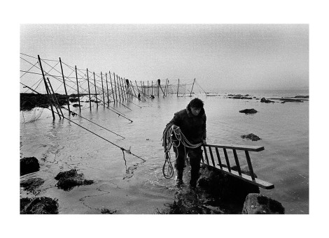 Finishing the Fly Net, Boddin, by Colin McPherson, 2000. ©Colin McPherson. ID: CtT-7