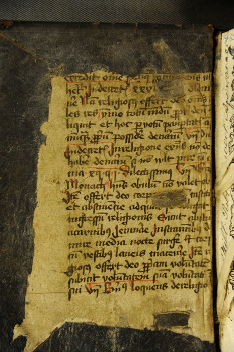 A pastedown with a fairly readable amount of black and red Latin - let us know what you think! (TypGS.B37CB)